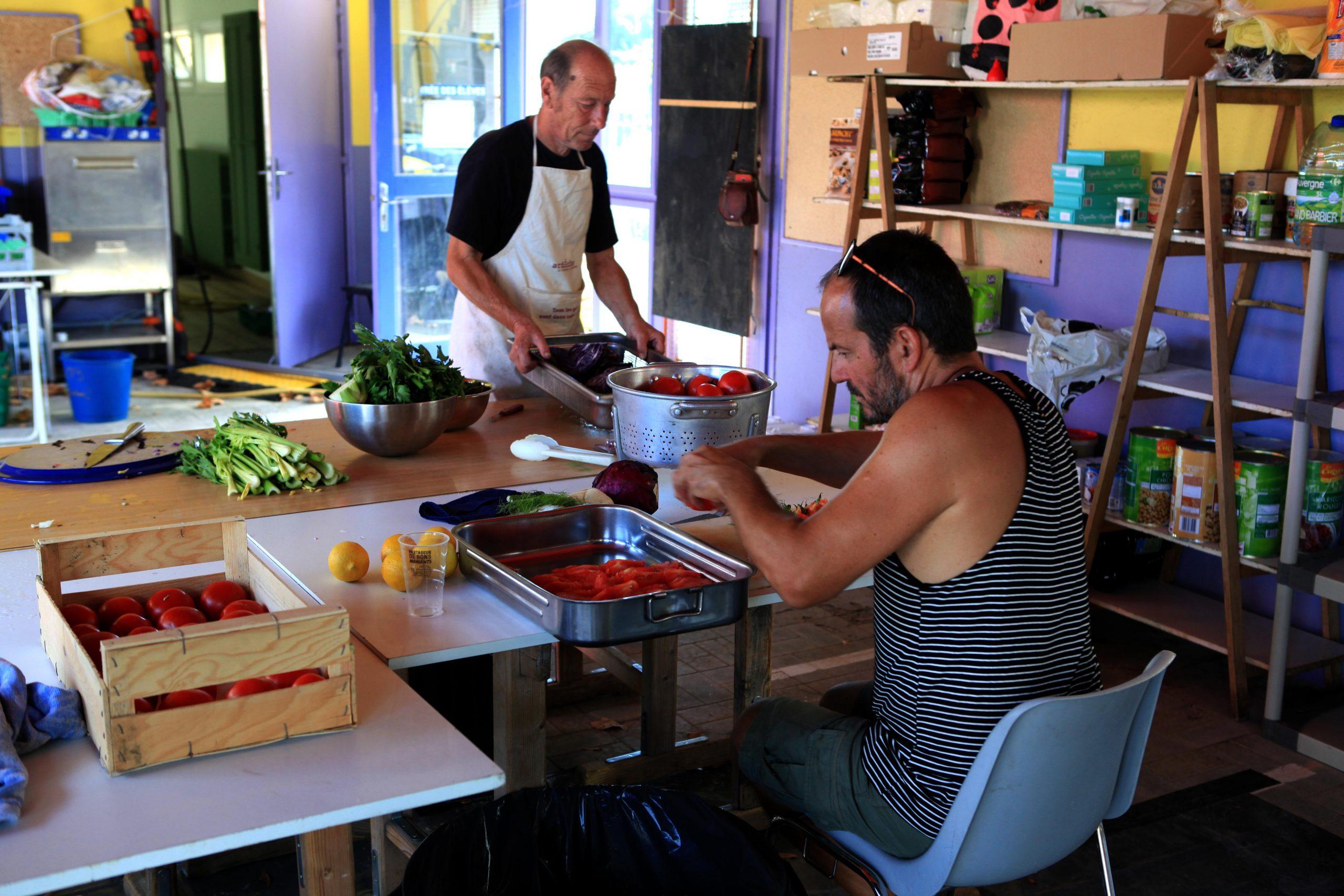 bénévole cuisine festival Dehors